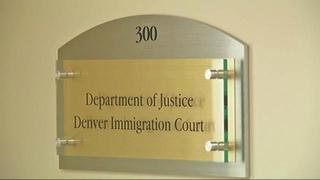 Cancelan audiencias de inmigración por 4 años
