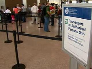 TSA wants armed guards at airports in peak hours