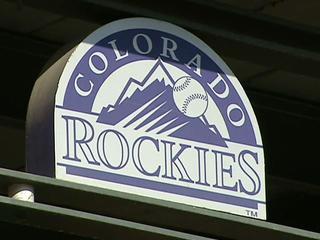 Rockies sign Reynolds for $2.6 million