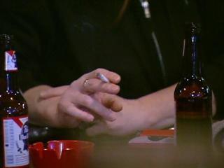 Surgeon general urges new resolve to end smoking