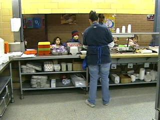 School-lunch-line-15227537.jpg