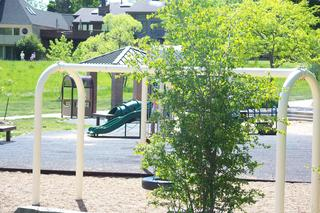 Wonderland-Lake-Playground-13413508.jpg