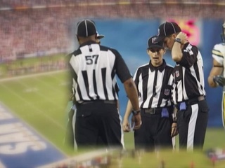 NFL_replacement_referee_talks_about_job__33230003_20121015020511