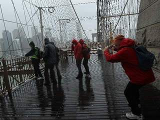 Watching Hurricane Sandy on the Brooklyn Bridge-10946
