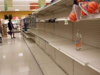 Supermarkets empty before Hurricane Sandy-10946
