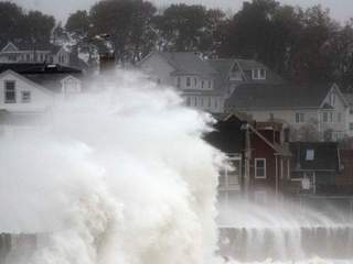 Sandy causes waves in Mass-10946.