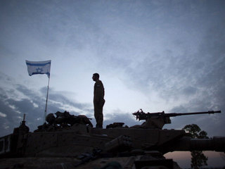 soldier-on-gaza-border_1353937788248.jpg