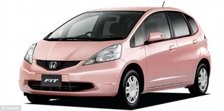 Honda-Fit-Shes_1354025997348.jpg
