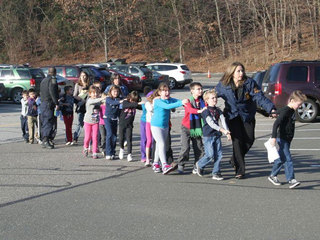 Students leave Sandy Hook Elementary-10946