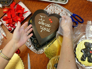 Valentine's crafts and yummy eats for children