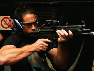 submachine-gun_1360853563422-10946.jpg