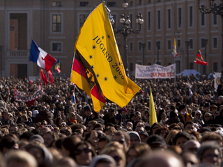 giant crowd at Vatican_1361986832643-10946.jpg