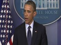 Obama threatens veto of student loan