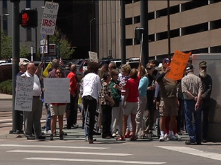 Conservatives rally outside Denver IRS