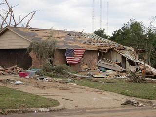 24 dead, 237 hurt in Moore tornado
