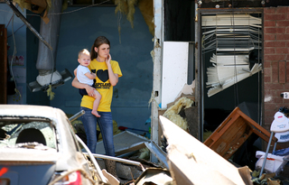 Eyewitnesses to disaster: Photos in Okla