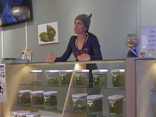 Denver pot shops allowed to stay open later