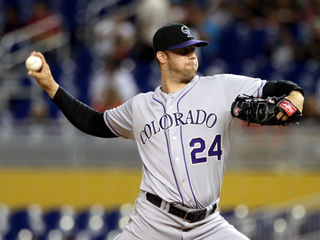 Rockies agree to 1-year contract with Lyles