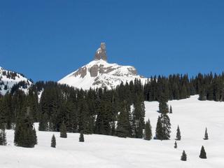 Dead skier recovered after helicopter crash