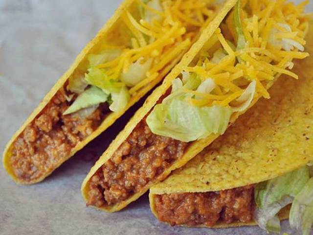 how to get free food from taco bell
