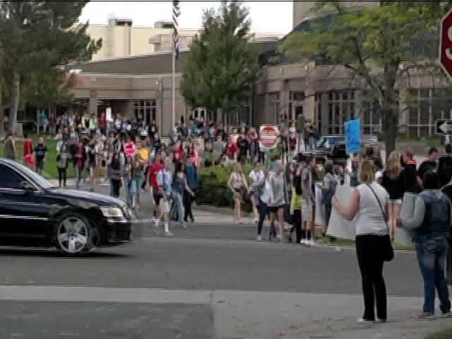 Students walk out of 5 Jeffco schools in protest