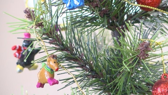 Mold, pollen, and sap from Christmas trees could cause ...