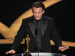 Sean Penn: 'No apologies' for green card joke