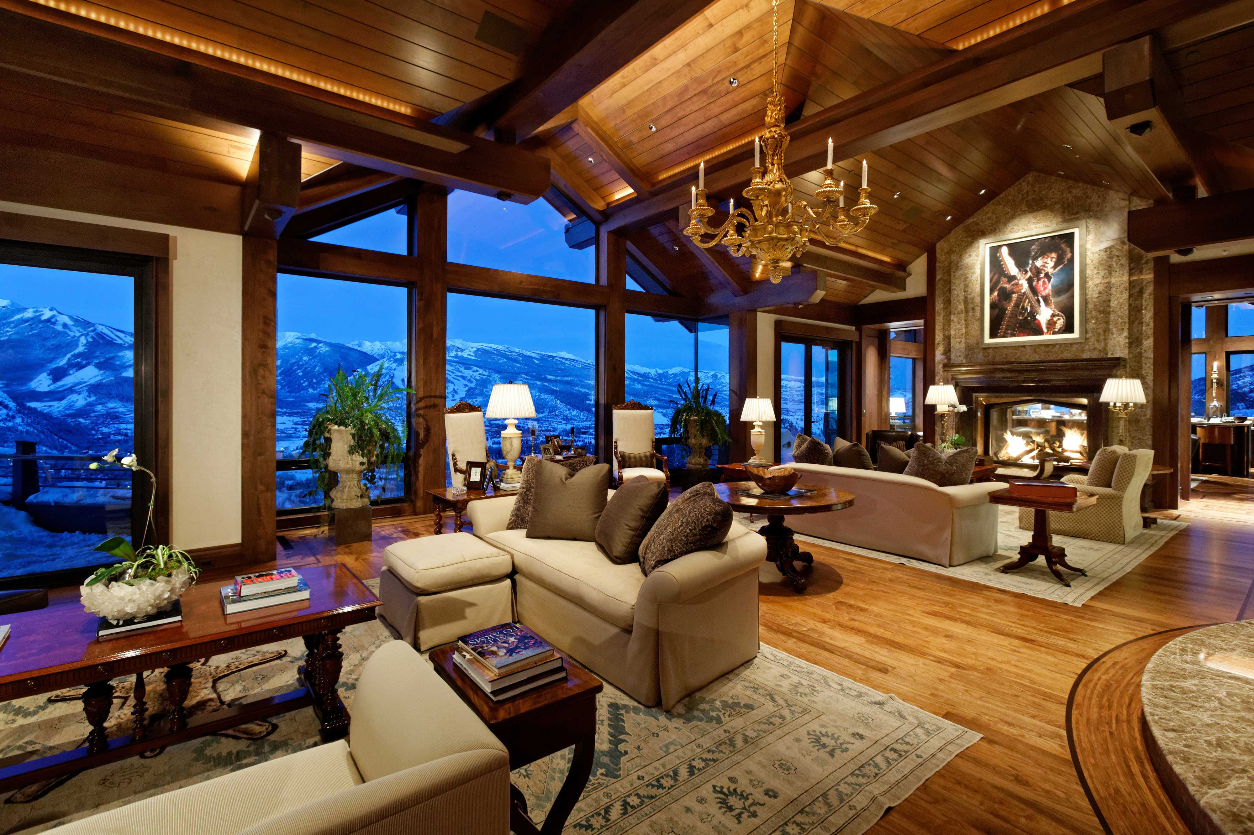 Extreme homes of colorado see aspen 39 s summit house at for The living room channel 0