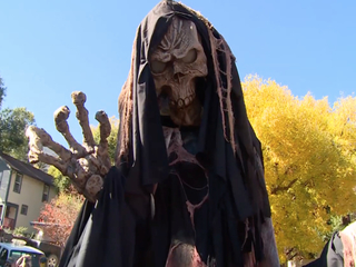 Coffins race down Manitou Springs streets