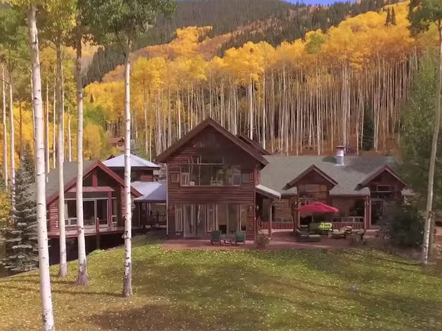 Photos melanie griffith puts aspen home on market for 8 for Celebrity homes in aspen