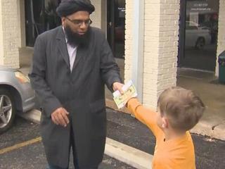 Texas boy donates piggy bank money to mosque