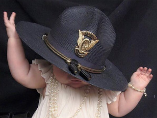 Moving photo of trooper's baby sends big message