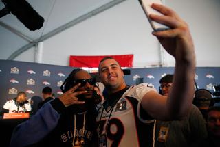 Snoop Dogg interviews Broncos, Panthers
