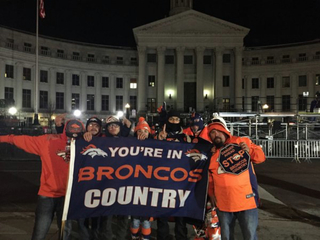Broncos fans get up before sunrise for parade