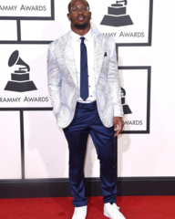 Miller's special-fabric Grammy jacket was $1300+
