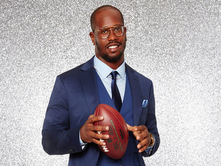 Von Miller surprises team workers with thank you
