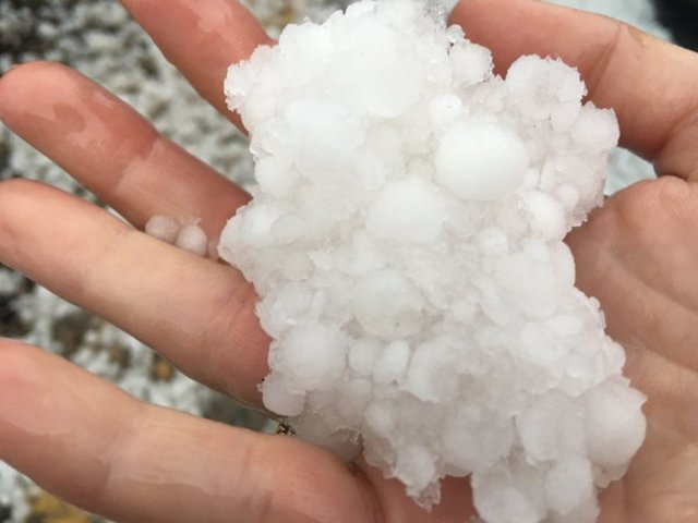 Hail hits NE Denver, Aurora, eastern Colorado