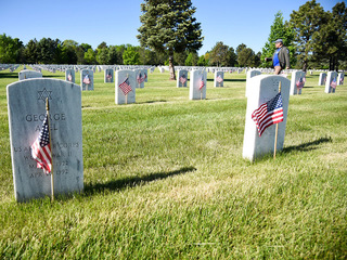10,000 flags planted at Fort Logan Ntl. Cemetery
