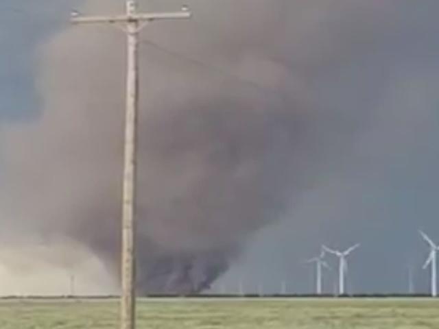 3 tornadoes in Peetz