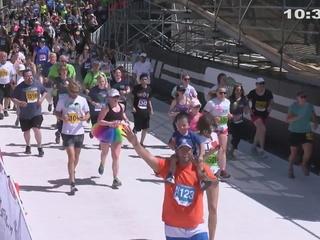 10:35-10:40 AM Bolder Boulder Finishers
