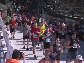 Thousands lace up for 39th annual BolderBOULDER