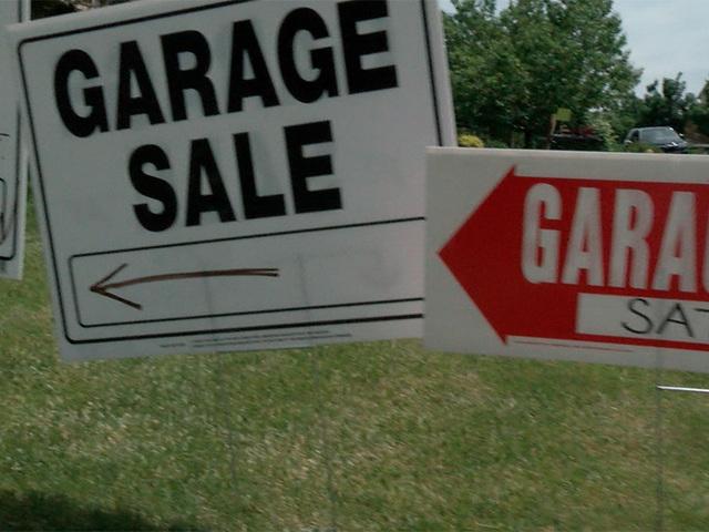 Garage Sale Crime Aurora Neighbors Warn Others Of Thieves