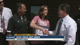 Johnstown teen gives away baseball gear