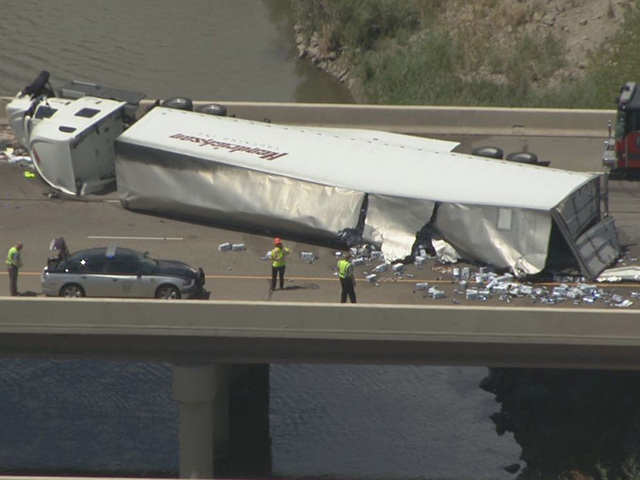 Beer truck crash shuts down SB I-25 near Mead