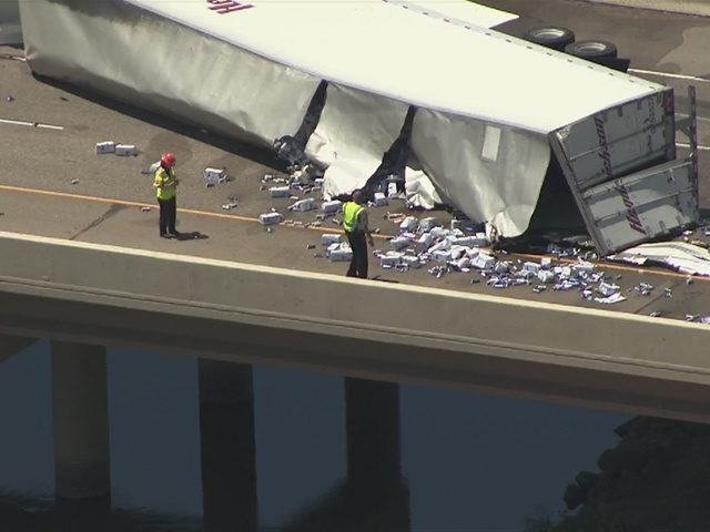 RAW: Semi hauling beer crashes on SB I-25 south of Mead