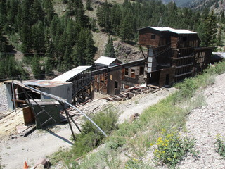 This Colorado ghost town still has homes