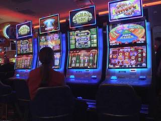 Black Hawk casino hiring 1,000