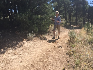Group of hikers avoid near attack on trail