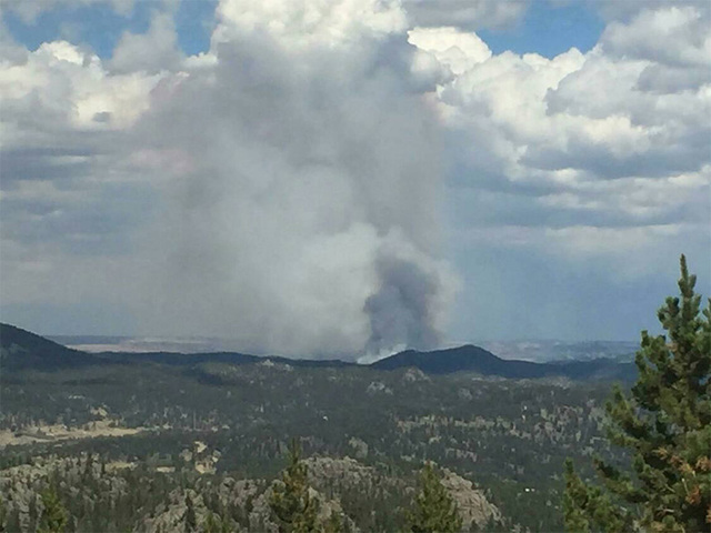 New wildfire near Colorado-Wyoming border 10 percent contained