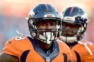 Von Miller lowers cap number to help Broncos